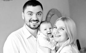 semejnaya-fotosessiya-doma-mashenka-i-roditeli (4)